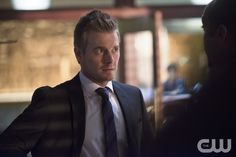 "The Flash -- ""The Sound and the Fury"" -- Image FLA111B_0324b -- Pictured: Rick Cosnett as Detective Eddie Thawne -- Photo: Diyah Pera/The CW -- © 2015 The CW Network, LLC. All rights reserved.pn"