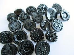SMALL ANTIQUE VINTAGE DECORATIVE BLACK GLASS BUTTONS LACY FLORAL FERN  20 pcs. noelhumphrey on eBay.co.uk