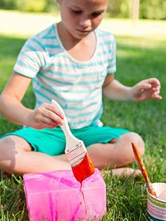 Take advantage of a summer's day by inviting your kids and their pals to get wildly creative. Read on for simple ideas that offer an artsy afternoon in the great outdoors. Rinsing off with the hose afterward only adds to the fun!