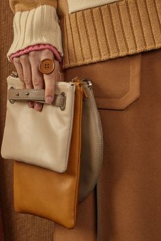 [unisex] Quad clutch leather bagBeige