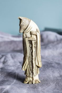 jada111: Ivory wolf netsuke, Japan, 19th century | 2014