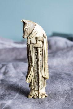 jada111: Ivory wolf netsuke, Japan, 19th century   2014