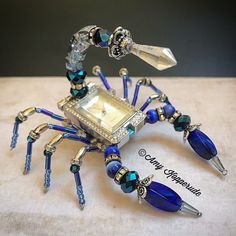 Beaded watch scorpion by Amy Kopperude Wire Jewelry, Jewelry Art, Beaded Jewelry, Jewelery, Vintage Jewelry, Jewelry Design, Puzzle Jewelry, Beaded Crafts, Wire Crafts