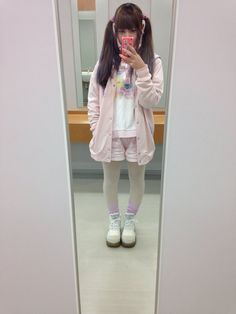 """dokuudempa: """" 学校いってきます Going to school! いってらっしゃい希望 Hoping you'll wish me a good day 今日はピンク〜って感じ Today's outfit gives off a PINK~ feeling """""""