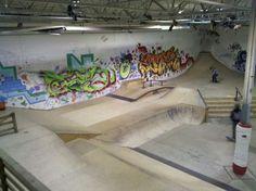 Some definite interesting shapes going on here! Aggressive Skates, Drugs Art, Youth Center, Skate Park, Building Design, Graffiti, Layout, Indoor, Exterior