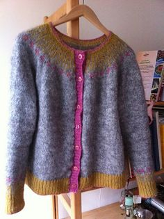 A 12 lesson video tutorial with PDF pattern download in 9 sizes shows how to knit this top-down Icelandic cardigan. This sweater is knit in the round with a crocheted steek.