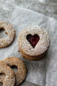 Linzer Cookies (gluten free) from Wholehearted Eats + 50 Gluten-Free Christmas Cookie Recipes Paleo Cookie Recipe, Paleo Cookies, Gluten Free Cookies, Gluten Free Baking, Gluten Free Desserts, Cookie Recipes, Gluten Free Recipes, Jam Cookies, Gluten Free Christmas Cookies