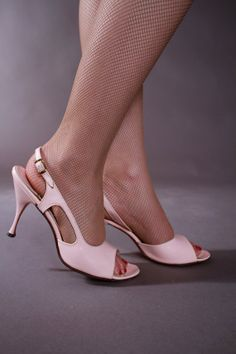 1950s Vintage Shoes - Sexy Pink Patent Leather Slingbacks by Kimmel Size 8.5 on Etsy, $68.00