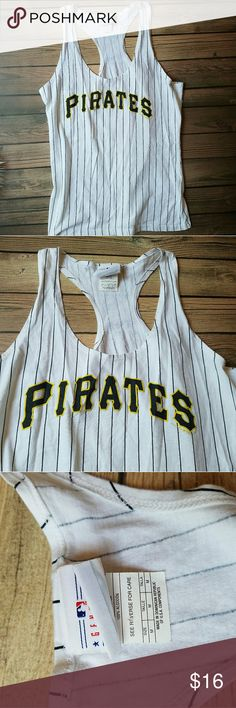 Pittsburgh Pirates Racerback Tank Top Excellent condition, size Medium. Genuine Merchandise, 5th and Ocean Clothing 5th & Ocean Tops Tank Tops