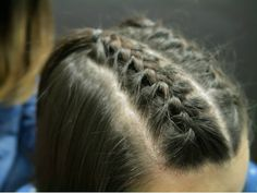 dos tenzas con el cabello suelto - Buscar con Google Hair Styles, Beauty, Youtube, Kawaii, Google, Fashion, Two Braid Hairstyles, Braids With Weave, How To Make