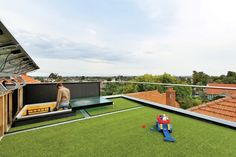 Roof terrace of the Ilma Grove House by Andrew Maynard Architects, Australia