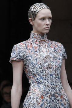 Porcelain mosaic dress #vintagemaya #mosaic #handcraft #mosaic dress #porcelain