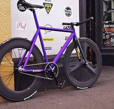 Fixie Frame, Red Hook Crit, Baby Bike, Fixed Gear Bicycle, Bike Photography, Bike Style, Bicycle Accessories, Bike Design, Road Bike