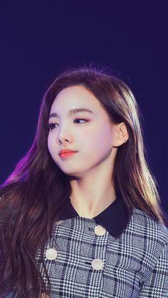 Kpop Girl Groups, Korean Girl Groups, Kpop Girls, Nayeon Twice, Twice Kpop, Im Nayeon, Elizabeth Gillies, Dahyun, Korean Celebrities