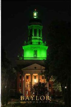 Baylor University's Pat Neff dome lights up green after every major sports win -- you can see the glow of victory for miles around. #SicEm