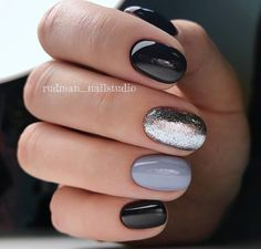 Nail Art Designs In Every Color And Style – Your Beautiful Nails Nagellack Design, White Nails, Black Shellac Nails, Sparkly Black Nails, Black And Purple Nails, Periwinkle Nails, Blue Nail, Blue Glitter, Nagel Gel