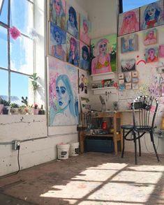 1820 Likes 16 Comments Shanna Van Maurik nogo Wall Drawing, Painting & Drawing, Art Drawings, Painting Walls, Bedroom Drawing, Painting Studio, Art Studio Design, My Art Studio, Studio Ideas