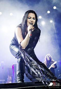 Evanescence@Sonisphere2012_02 (EXPLORE) by Javier Bragado, via Flickr