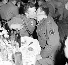 Friendship kiss between Russian and US soldier during WW2
