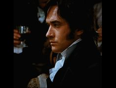 """""""I felt that Darcy was vulnerable. He'd lost his parents, inherited this vast estate and had huge responsibilities. So I saw him as a young man trying to cope rather than someone who had a`sorted out´ life. He was quite arrogant at times, but that kind of arrogance comes from insecurity. And he looks at Elizabeth, with her easy way with people and her closeness to her parents and four sisters, and sees a loving family. It makes him feel more alone, more isolated"""". (Matthew Mac"""