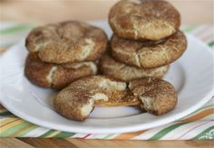 Miss- Caramel-Filled Snickerdoodles. Great big stinkin' mess and they ruined my snickerdoodle cookies Beaux Desserts, Cookie Desserts, Just Desserts, Cookie Recipes, Delicious Desserts, Dessert Recipes, Yummy Food, Autumn Desserts, Sweet Desserts