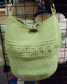 another great summer bag--love the pale green color!