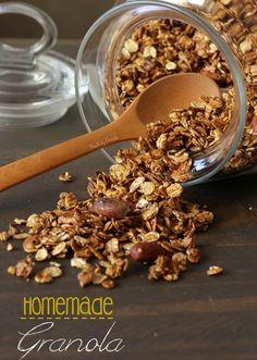 Como fazer Granola em casa. Fácil e versátil, ideal para pequeno-almoço, lanche ou como snack. Receita e video