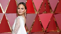 How to Copy Chrissy Teigen's Chill Oscars Hair on Yourself   StyleCaster