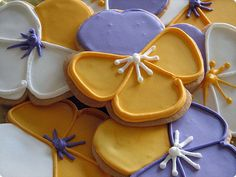 Pansy cookies anyone? Delta Delta Delta Noms! Bid Day or Recruitment treats?