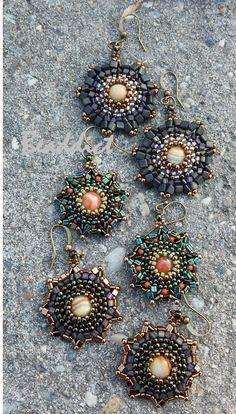 """Selena"" earrings. Pattern and beading by Beaddict. Seed beads, triangle beads, karneol and Italian onix semiprecious stone beads."