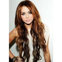miley cyrus with long hair. she looks so much better with long hair..