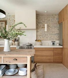 To apply wooden kitchen interior design ideas to your own kitchen is the best choice. Get a dreamy wooden kitchen in your house. Wooden Kitchen, Rustic Kitchen, New Kitchen, Kitchen Decor, Kitchen Grey, Kitchen Country, Tuscany Kitchen, Maple Kitchen, Bohemian Kitchen