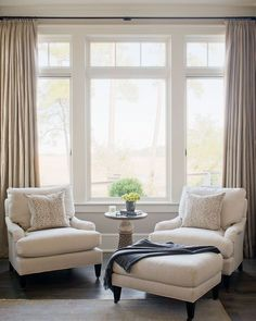 Living Room windows can dramatically change the look of your living room. Living room windows can add light to your room, enhance your wall colors or furniture Home Bedroom, Home Living Room, Living Room Furniture, Living Room Decor, Bedroom Decor, Dining Room, Master Bedroom Chairs, Master Bedrooms, Living Room Accent Chairs