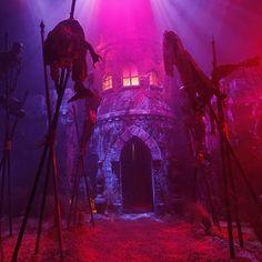 The Nations Premier Halloween Event at Universal Orlando Haunted Trail Ideas, Haunted Maze, Scary Haunted House, Halloween Haunted Houses, Halloween Town, Scary Halloween, Halloween Ideas, Halloween Graveyard, Happy Halloween