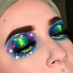 Dramatic Eye Makeup, Makeup Eye Looks, Beautiful Eye Makeup, Colorful Eye Makeup, Eye Makeup Art, Simple Eye Makeup, Crazy Makeup, Blue Eye Makeup, Smokey Eye Makeup