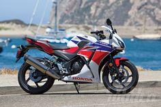 2015 Honda CBR300R static side view