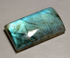 Labradorite; is a power stone, allowing you to see through illusions and determine the actual form of your dreams and goals. It is excellent for strengthening intuitions. Use labradorite to stimulate imagination, develop enthusiasm and thus, new ideas, and to see more clearly in meditation.