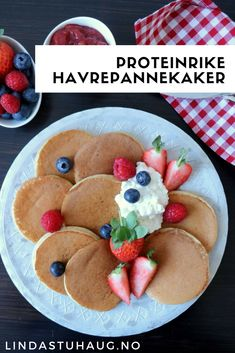 Good Healthy Recipes, Healthy Snacks, Protein, Pancakes And Waffles, Banana Recipes, Low Carb Breakfast, 100 Calories, Polenta, Deserts