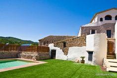 Casa rural Mas Llagostera. Bisbal del Penedés, Tarragona (Cataluña) http://www.toprural.com/Casa-rural-alquiler-%C3%ADntegro/Mas-Llagostera1_90881_f.html