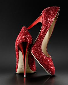 Spakling red glitter shoes by Jimmy Choo. #Gorgeous #Wedding #Shoes
