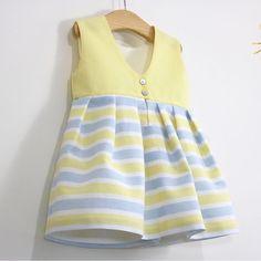 La espalda del vestido es la que me tiene enamorada!!!!! Ya en el blog www.ohmotherminediy.com #costura #coser #aprederacoser #vestido #niña #patrones #gratis #tallahasta8años