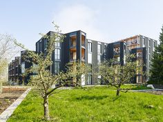 Image 10 of 20 from gallery of Hagmannareal Housing Development / ARGE HAGMANNAREAL + weberbrunner architekten ag + Soppelsa Architekten. Photograph by Georg Aerni Residential Complex, Winterthur, Commercial Architecture, Facade, Mansions, House Styles, Gallery, Inspiration, Image