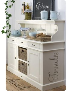 Love this dining room hutch, think I might try my hand at something similar