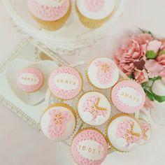 : @vanillapatch_cakes #pink #inspiration #rosa #inspirasjon #cupcakes #muffins #baby #flowers #itsagirl #detlilleekstra #dinbabyshower #babyshower #dåp #navnefest #fødsel #gravid