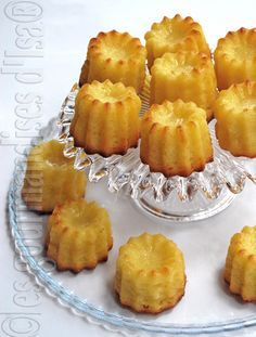 Cannelés au citron Muffins, Pastry Cook, Desserts With Biscuits, Cupcakes, Biscuit Cookies, Afternoon Snacks, Savoury Cake, My Favorite Food, Sweet Recipes