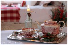 Aiken House & Gardens: Christmas Respite {she's got a beautiful collection of transferware}