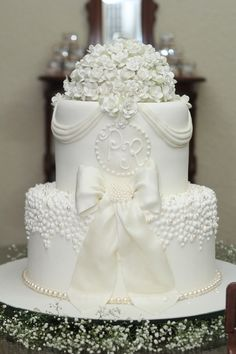 6 Wedding Cake Trends in 2020 Floral Wedding Cakes, White Wedding Cakes, Elegant Wedding Cakes, Wedding Cake Designs, Elegant Cakes, Beautiful Wedding Cakes, Gorgeous Cakes, Pretty Cakes, Cute Cakes