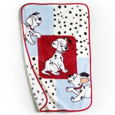 101 Dogs Bib /& Sock Set for Baby 2-Pack Disney Blue Sock Set with Dalmatian characters for Baby Soft Super Cute Matching Collection 2 Best of Friends baby bibs and 2 pairs of socks Patch /& Lucky