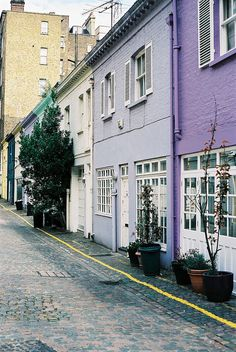 travel | atherstone mews. knightsbridge, london | via: flikr