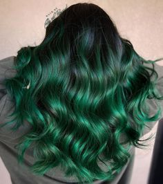 Dark Green Hair, Green Hair Colors, Black Curly Hair, Hair Color For Black Hair, Cool Hair Color, Green Hair Streaks, Black Hair With Highlights, Hair Color Highlights, Chunky Highlights